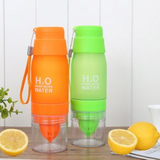 Portable Lemon Orange Juicer Cup Travel Manual Juicer Bottle Fruit Squeezer Outdoor Drinking Bottle Plastic Water Bottle